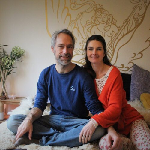 Jeroen en Marije tijdens het online programma GLOED - Avond vol Aandacht